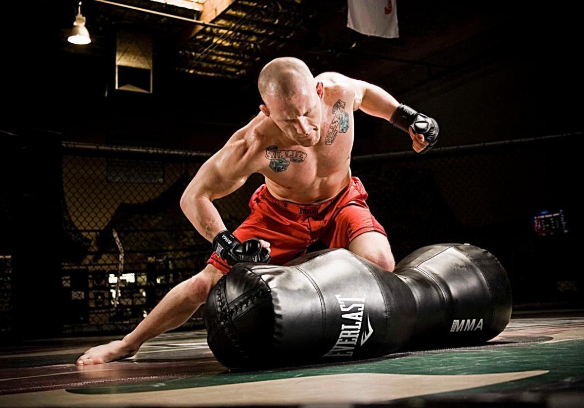 Sự khác nhau giữa bao cát Boxing và bao cát MMA