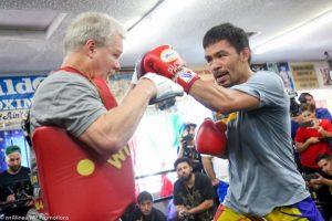 HLV Boxing Freddie Roach: Pacquiao Sẽ Knock-out Thurman và Tái Đấu Với Mayweather