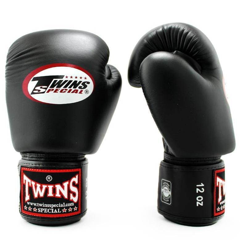găng tay boxing twins được làm hoàn toàn từ da cao cấp
