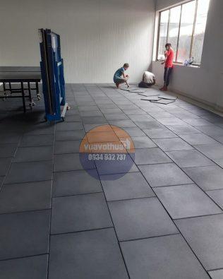 Gạch cao su lót sàn 50 x 50 cm cho Phòng Gym, Fitness, Yoga, Sân chơi thiếu nhi giá xưởng tốt nhất thị trường